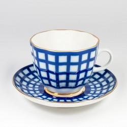 Чашка с блюдцем. Тюльпан кофе. Кобальтовая клетка.