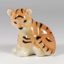 Szobrocska. Tigris kölyök.