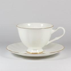 Csésze és alj. Nega. Arany szegélyke.