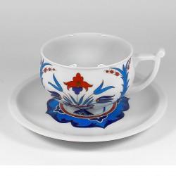 Csésze és alj. Kostroma. Gjuzellik.