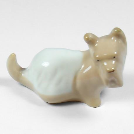Okrasna figurica. Škotski terier.