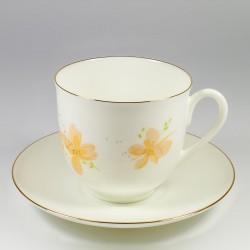 Чашка с блюдцем. Ландыш. Желтые цветы.