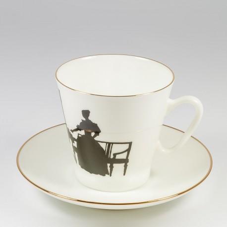 Csésze és alj. Fekete kávé. Kettesben.
